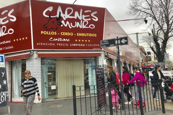 Histórica Carnicería de Munro. 220 m² Cubiertos con Entrada Para Camioneta