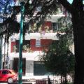 Departamento de 2 Ambientes Con pisos Parquets Ubicado a metros de Estación La Lucila. Impecable